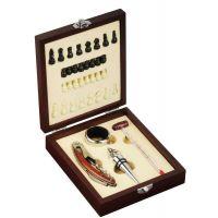 """Spielerisches Schach-Set und Wein-Accessoires ,,Name of the Game"""" in Braun Werbeartikel"""